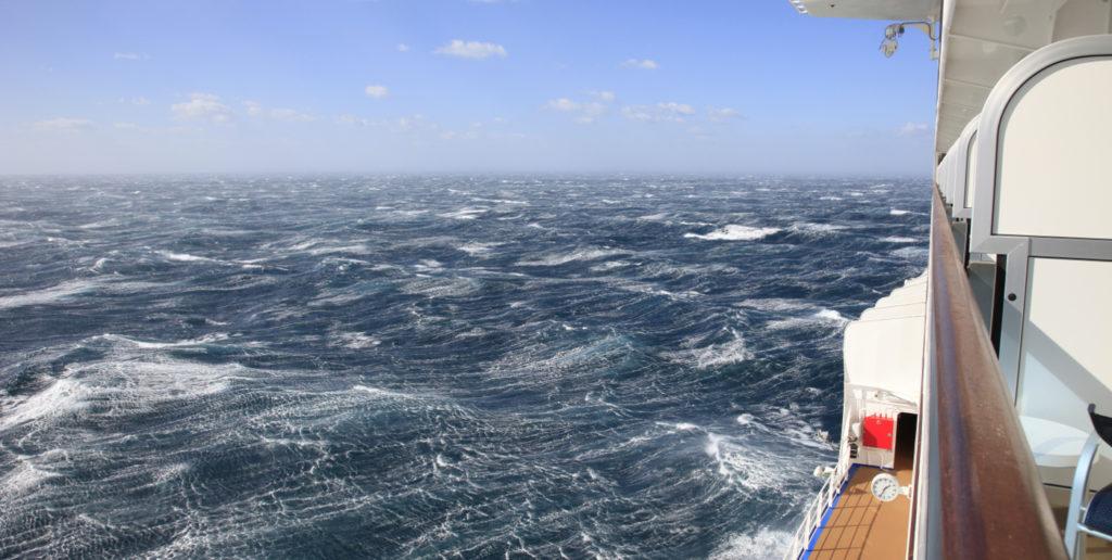 mareo en el barco, olas, vela, motor, evitarlo, consejos